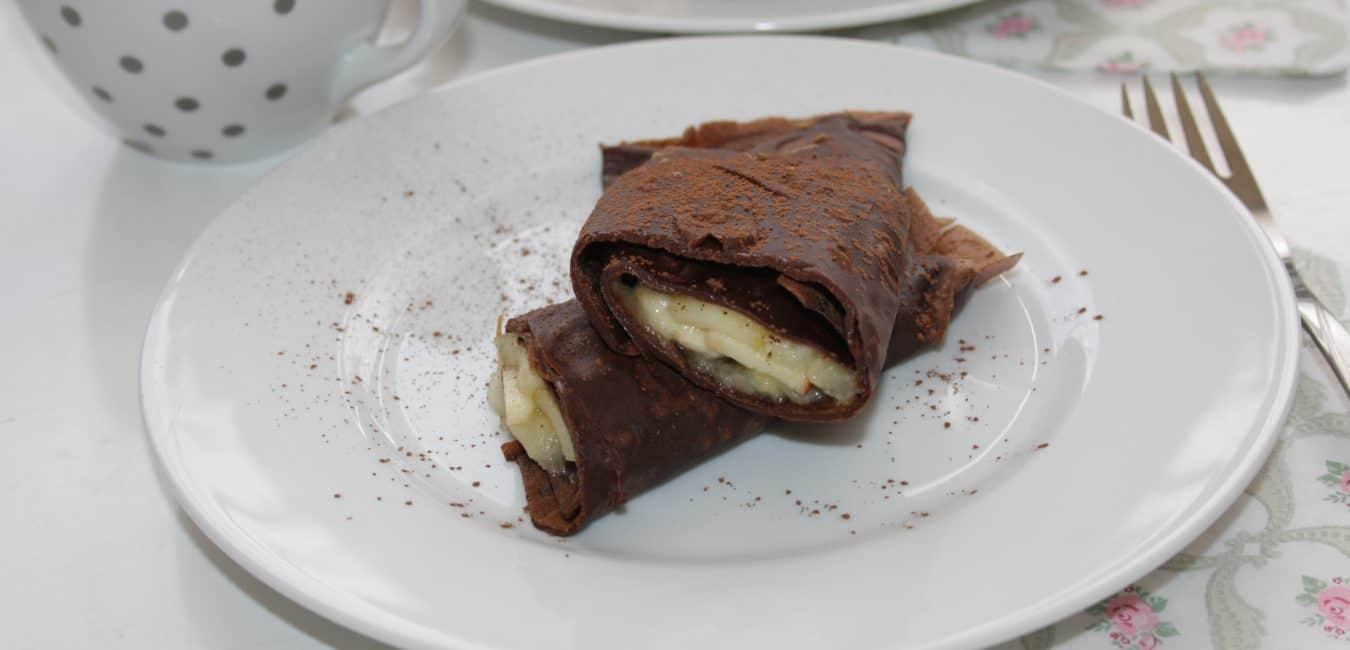 Čokoládové palačinky s jablky a banány