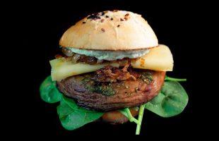 PortoBello burger s pestem z medvědího česneku