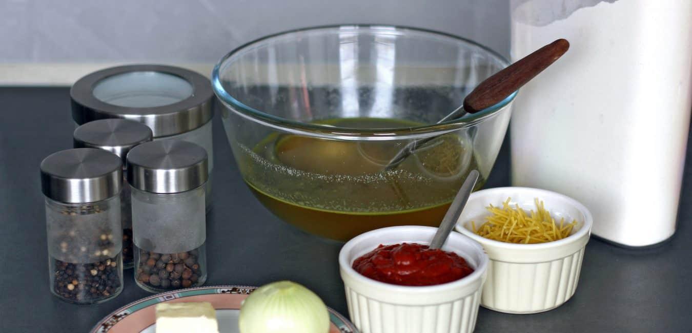 Rajská polévka s nudlemi