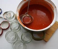 Šípková marmeláda s hřebíčkem