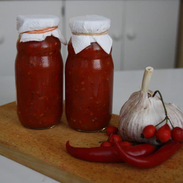 Šípková sweet&sour omáčka s chilli a česnekem