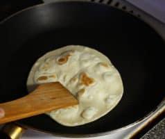 Placky čapátí s česnekovým olejem