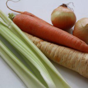 Zeleninová polévka s řapíkatým celerem