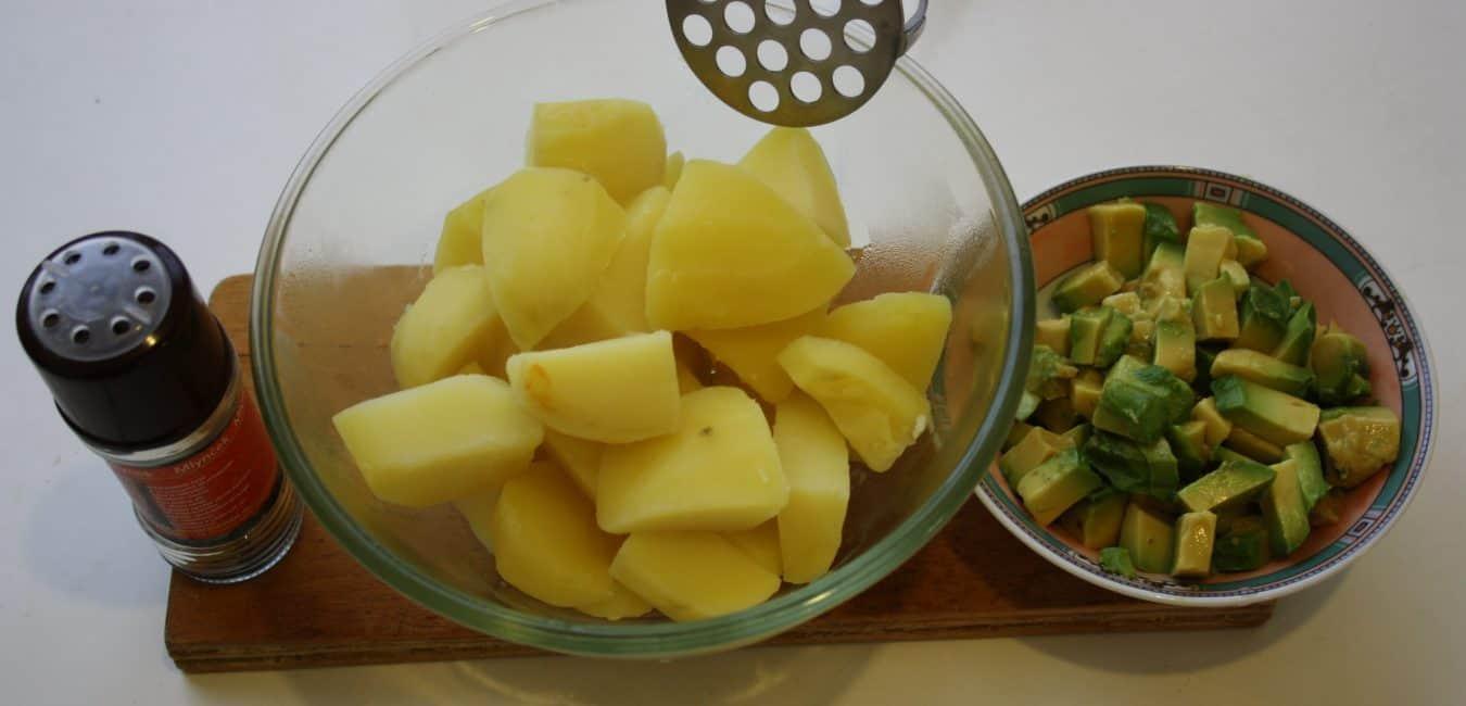Šťouchané brambory s avokádem
