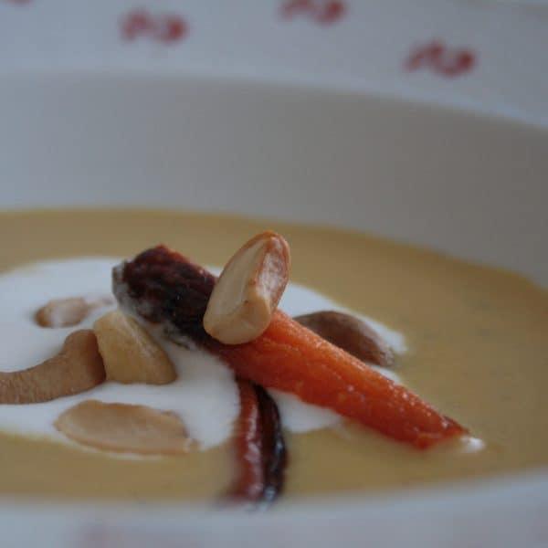 Marocká mrkvová polévka s kokosovou pěnou