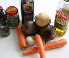 Pečená řepa s mrkví a cibulkou