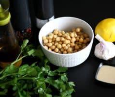 Základní hummus z cizrny a pasty tahini