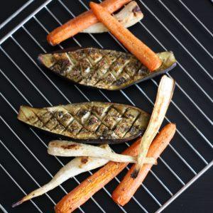 Pomazánky z pečené zeleniny jsou na chlebíčky skvělé!