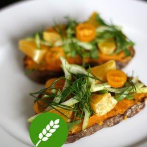 Chlebíček s mrkvovo-petrželovým pyré
