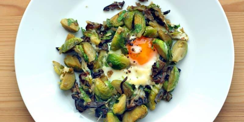 Restované kapustičky s houbami a vejcem