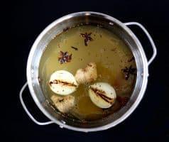 Vietnamská kuřecí (slepičí) polévka - Pho Ga