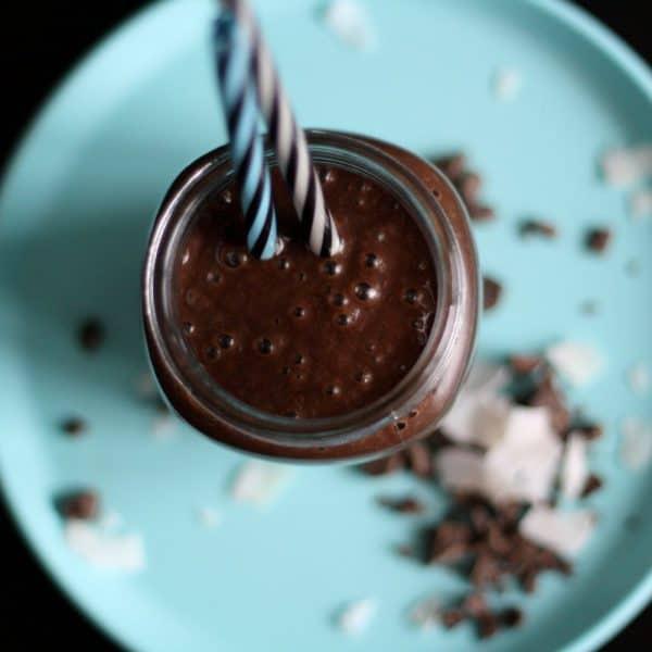 Čokoládové smoothie s banánem a skořicí