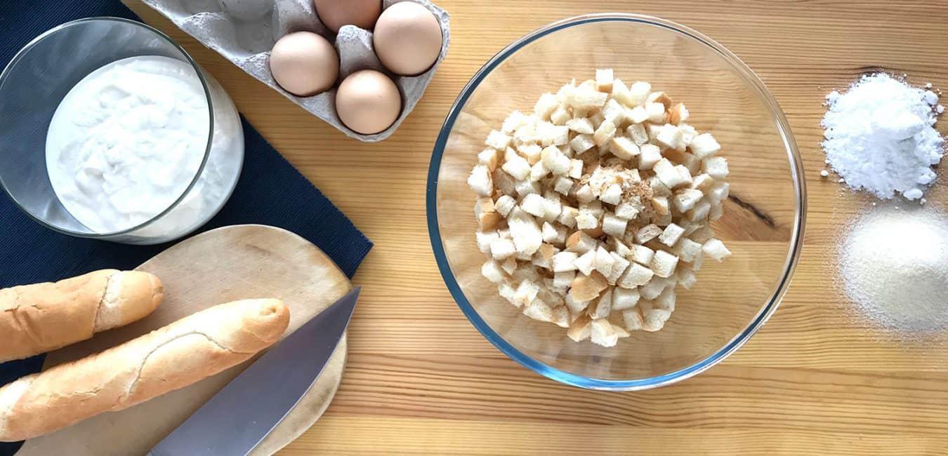 Rychlé tvarohové knedlíky s ovocnou omáčkou (a sněhovým bezé)