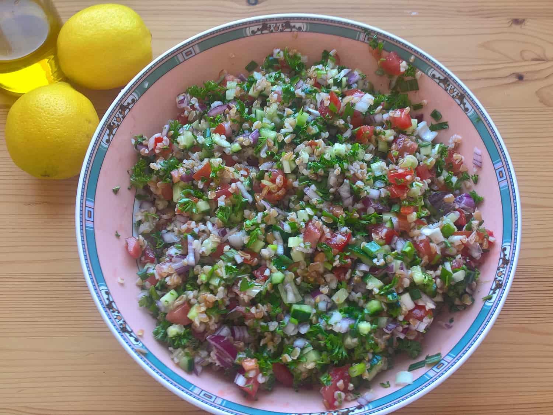Tabouleh - osvěžující levantský bylinkový salát s bulgurem