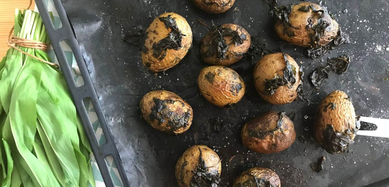 Pečené brambory s medvědím česnekem