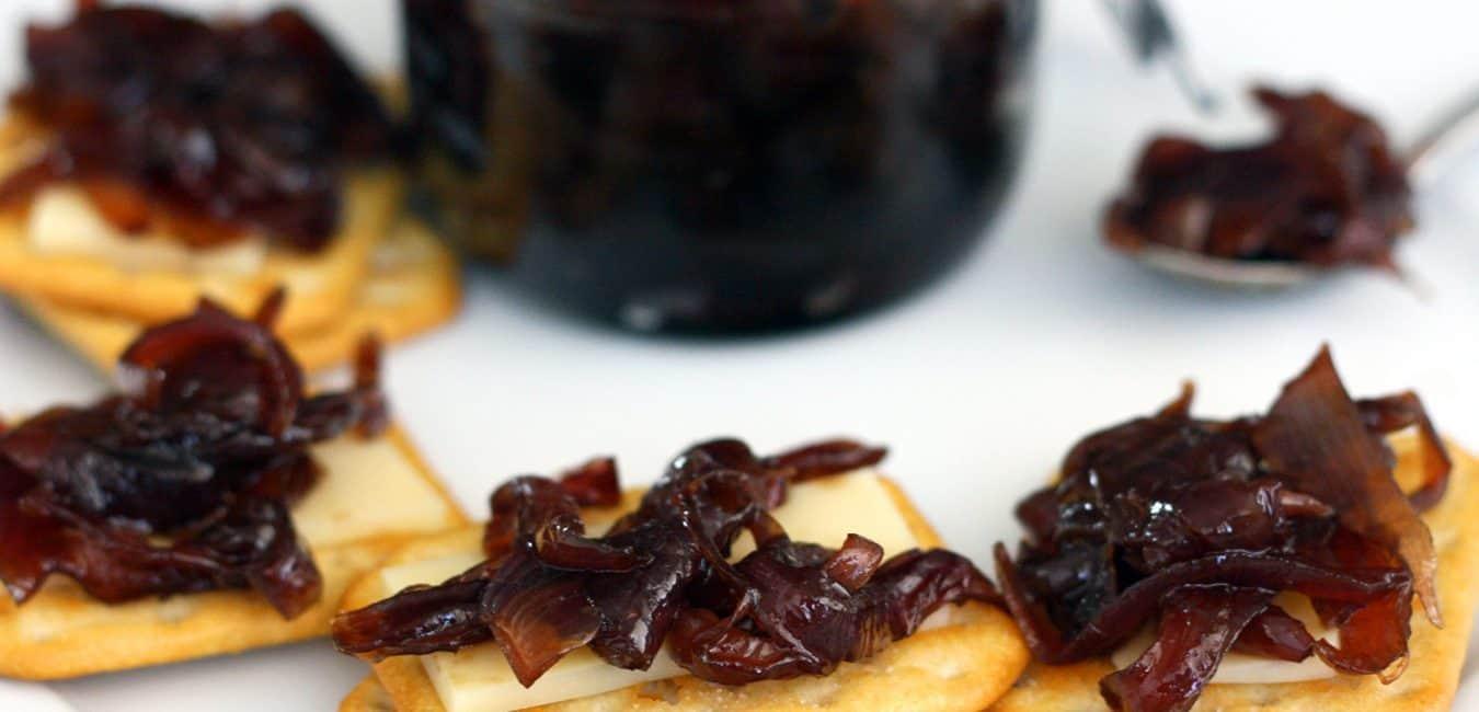 Cibulová marmeláda, karamelizovaná cibule ve skle
