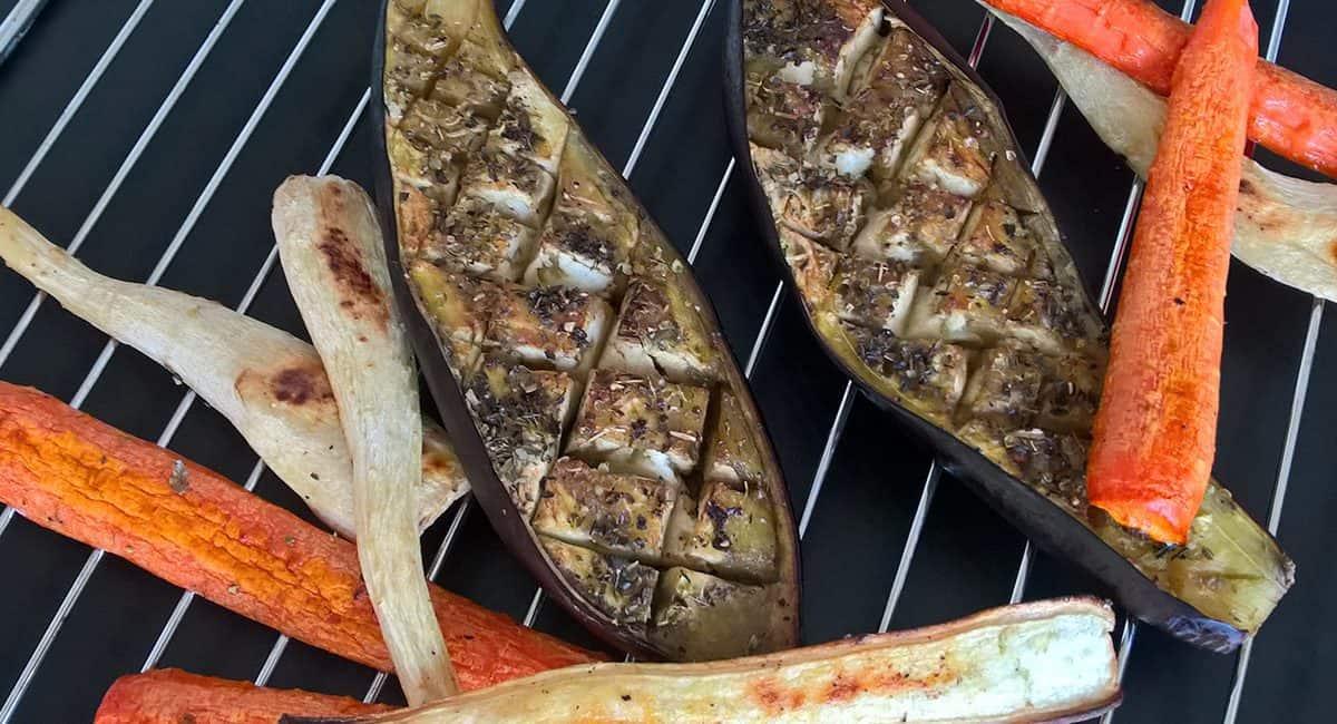Chlebíček s mrkvovo-petrželovým pyré, pomerančem a pak-choi - postup - krok 2