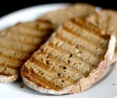 Chlebíček s mrkvovo-petrželovým pyré, pomerančem a pak-choi - postup - krok 6