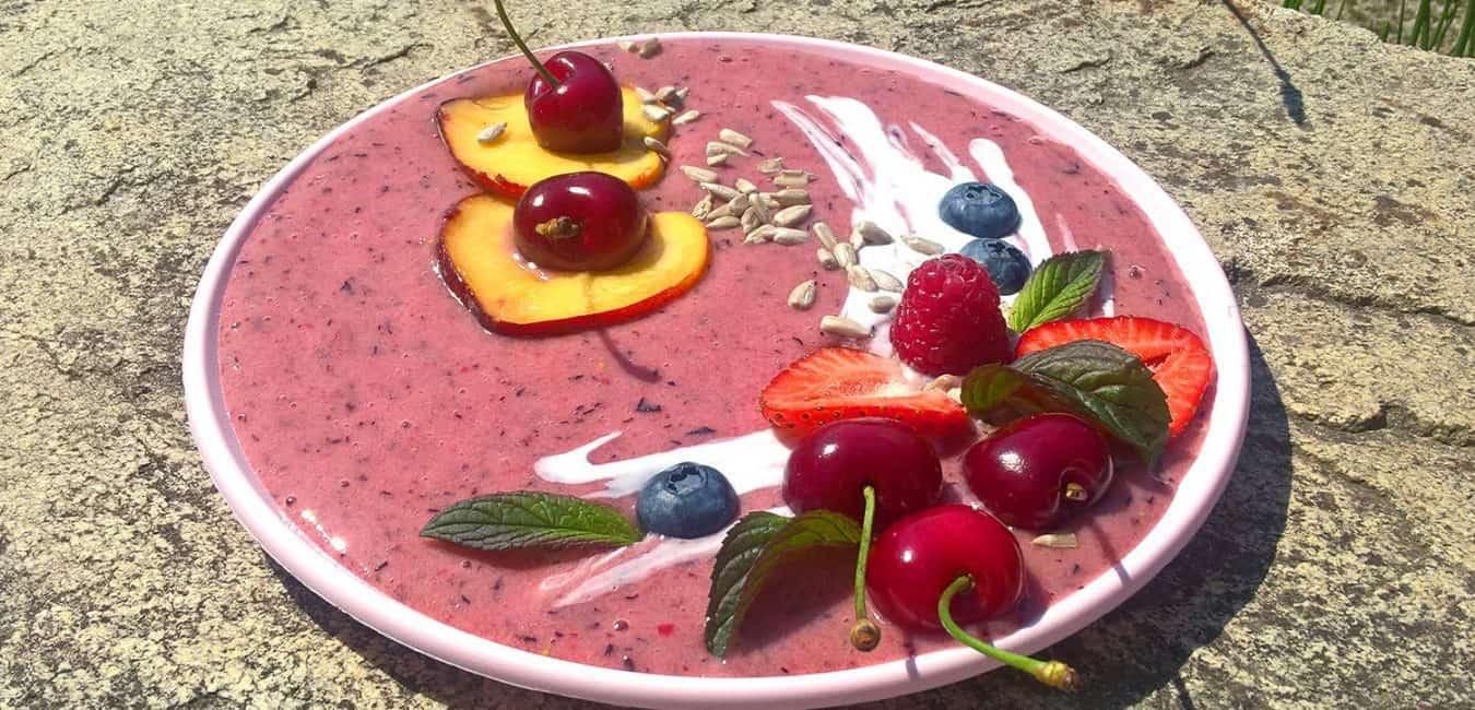 Ovocná smoothie bowl s jogurtem - postup - krok 5