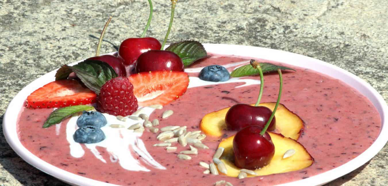 Ovocná smoothie bowl s jogurtem - postup - krok 6