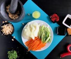 Smažené thajské nudle Pad Thai s kuřecím masem - postup - krok 6