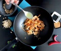 Smažené thajské nudle Pad Thai s kuřecím masem - postup - krok 8