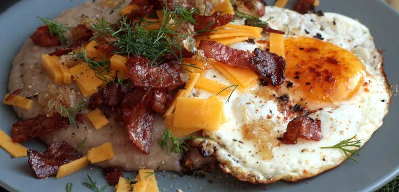 Pohanková kaše se slaninou, čedarem a sázeným vejcem - postup - krok 10