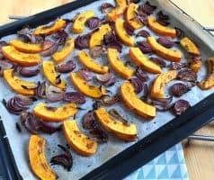 Salát s pečenou dýní, zelenými fazolkami a sýrem feta - postup - krok 4