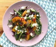 Salát s pečenou dýní, zelenými fazolkami a sýrem feta - postup - krok 8