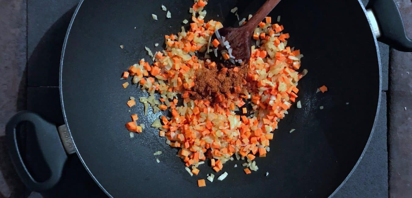 Etiopská dušená čočka s kořením berbere