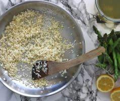 italské rizoto s chřestem a citronem