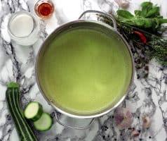 Krémová cuketová polévka s kokosovým mlékem