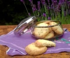 Levandulové a meduňkové máslové sušenky