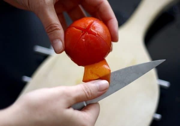 Slupku loupejte nožem nebo prsty